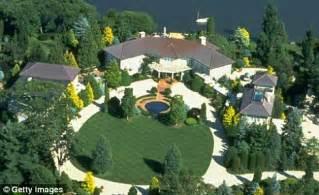 Ron Perlman Net Worth House Car Salary Wife Family 2018 Muzul