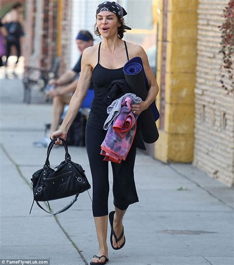 what does lisa rinna eat lisa rinna heads to a pilates class before the holiday