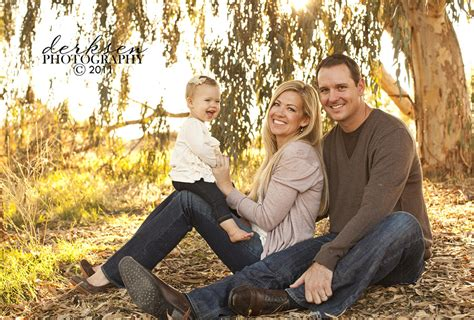 picture ideas for families pics for gt fall outdoor family photo ideas