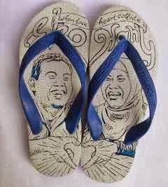 Kreatif Bukan Kriminal unik karya seni sandal jepit