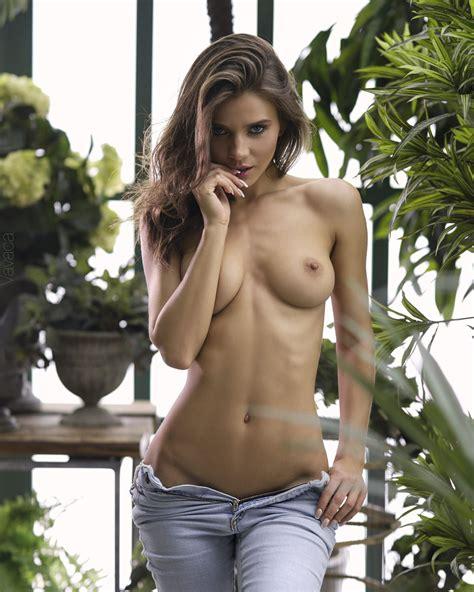 Kristina Makarova Hermosa Modelo Rusa desnuda Bytesexy