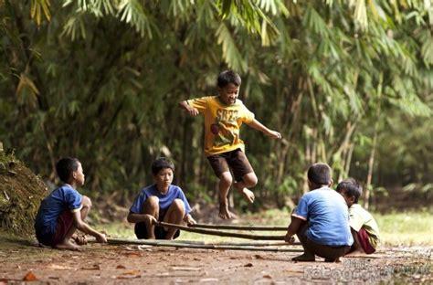wallpaper anak anak bermain 40 hd wallpaper bahagianya anak anak bermain permainan