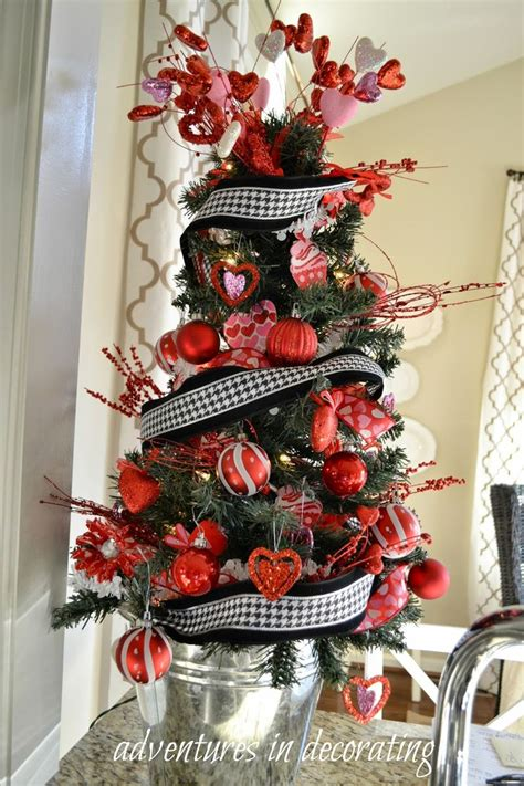Kitchen Themed Bridal Shower Ideas by Best 25 Valentine Decorations Ideas On Pinterest