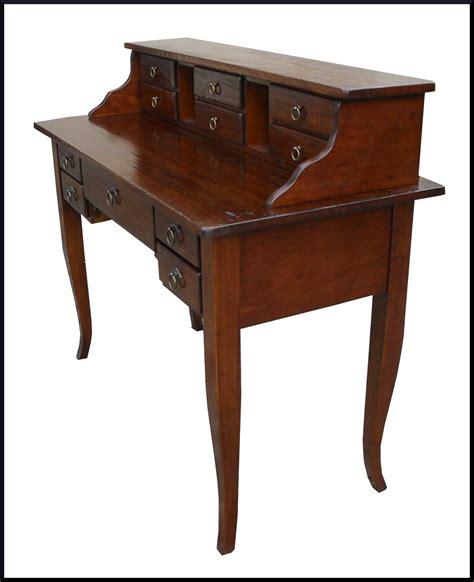 mobili scrivania scrittoio scrivania con alzatina e cassetti la commode