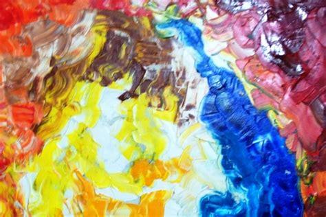 Lukisan Kota Abstrak sembilan perupa asal malang gelar pameran abstrak hari