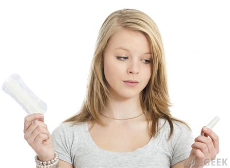 young girls wearing sanitary pads how do i choose between ton and pads with pictures