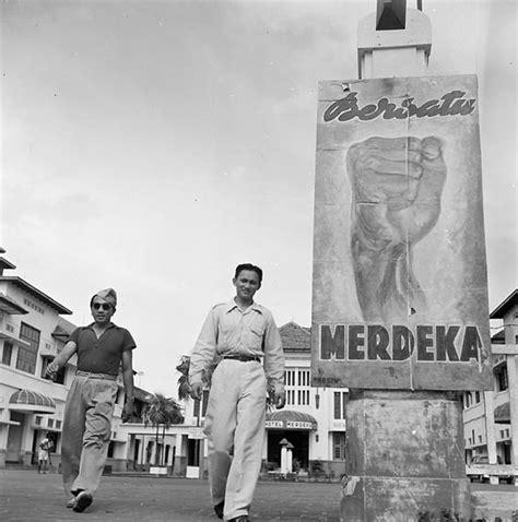 Baju Perju8angan Kemerdekaan Melawan Penjajah mural grafiti dan poster tentang perjuangan kemerdekaan indonesia keren gans kaskus the