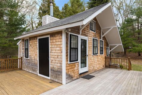 hgtv tiny house tour a tiny home in barnstable mass hgtv com s ultimate house hunt 2015 hgtv