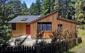 Cathy Schwabe 840 Sq Ft Modern And Rustic Small Cabin In The Redwoods
