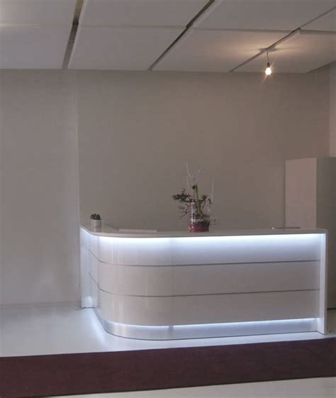 White Curved Reception Desk 25 Best Ideas About Curved Reception Desk On Pinterest Reception Counter Curved Desk And