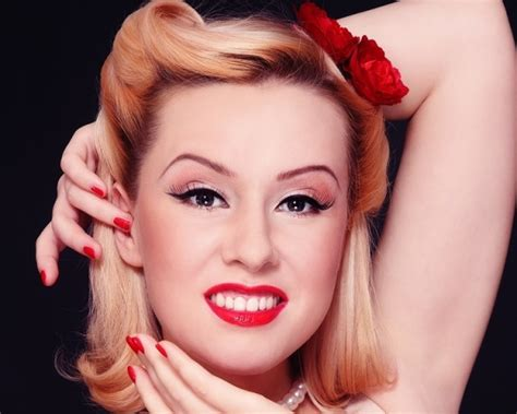 Simple Pin Up Hairstyle by 30 Pin Up Hairstyles Fashionable And Unique Hairstyles