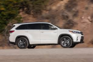 Toyota Highlandar 2017 Toyota Highlander Hybrid Reviews And Rating Motor Trend