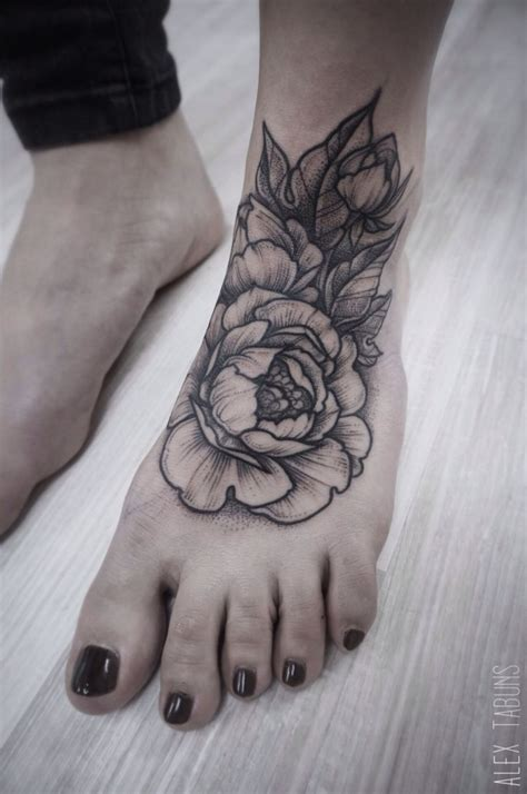ankle and foot tattoos 25 best ideas about foot tattoos on henna