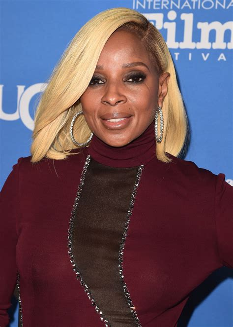 mary j blige pictures mary j blige at 33rd santa barbara international film