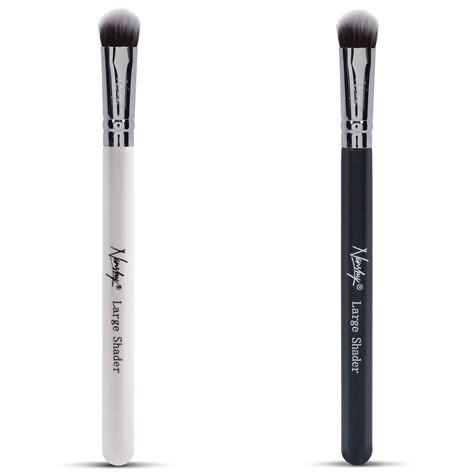 Laneige Large Eyeshadow Brush 09 large shader eyeshadow makeup brush