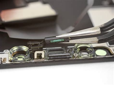 ambient light sensor iphone ifixit believes apple is accidentally disabling