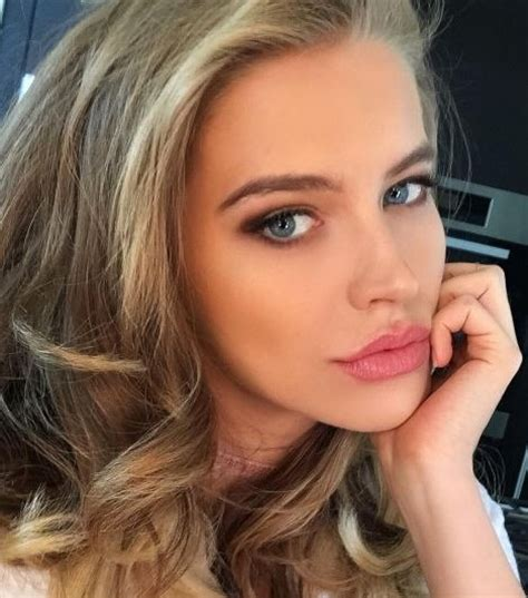samantha hoopes hometown meet the sports illustrated swimsuit models