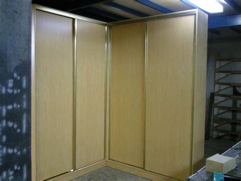 armarios rincon foto armario de rinc 243 n puertas correderas de arteva90