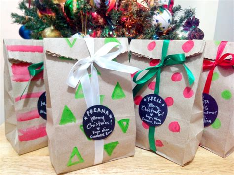 creative ways to wrap small gifts no 5 craft for five cheap easy gift wrapping
