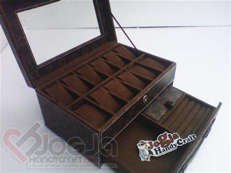 Tempat Jam Tangan Isi 12 Motif Lv Produk Original Pengrajin Jogja box jam isi 12 laci accesories motif lv with transparant