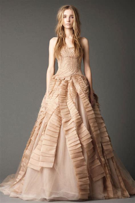 hochzeitskleid farbe chic photos of elegant colored wedding dresses sang maestro