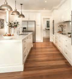 White Kitchen Cabinets Wood Floors by 25 Best Ideas About Classic White Kitchen On