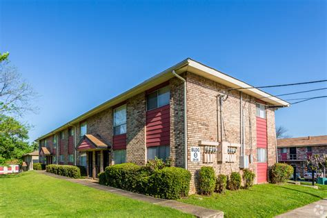 3 bedroom apartments little rock ar rosewood apartments rentals little rock ar apartments com