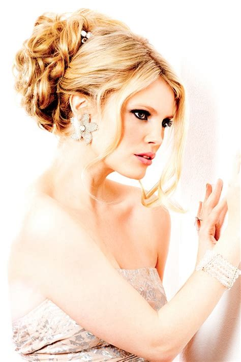 bacomain hair style pics a long blonde hairstyle from the wedding hair collection