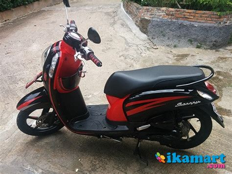 scoopy fi 2014 merah hitam motor