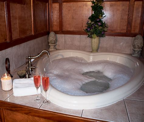 heart shaped bathtub guest room king heart shaped jacuzzi gables inn bed and breakfast a hot