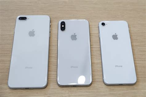 Is iPhone X silver/space grey same color as iPhone 8