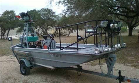 boat motors for sale san antonio gigging boat for sale