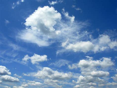 foto foto langit  indah  siang hari wallpaper