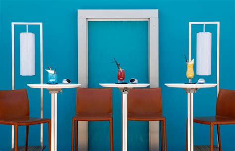 imagenes de uñas pintadas en turquesa lujo y glamour en el five hotel spa de cannes