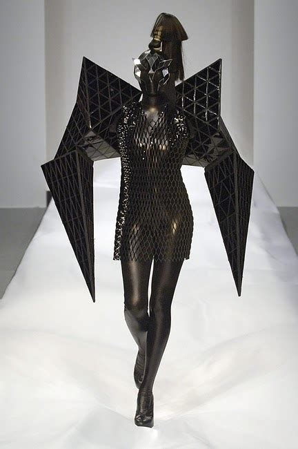 avant garde design with images project runway season 10 project runway recaps avant garde not nick verreos