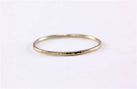 14k yellow solid gold thin simple hammer texture band ring