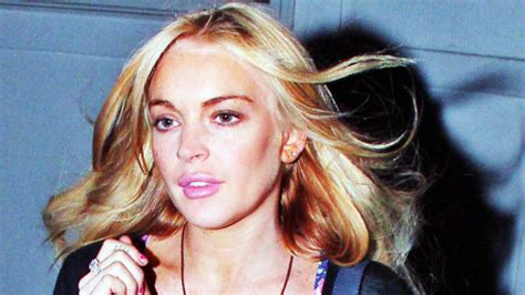 Miller Lindsay Lohan by Lindsay Lohan Will Turn Herself In For Felony Grand Theft