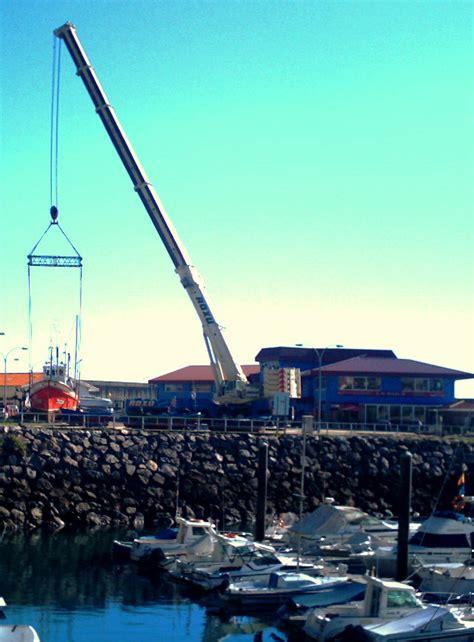 un barco pesquero ha conseguido 9100 el brisas de lastres surca el cielo noticias de asturias