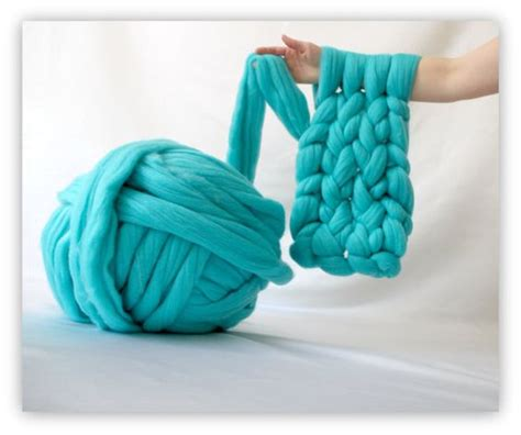 how to prepare yarn for knitting diy arm knitting yarn knit a blanket in 45 minutes or a