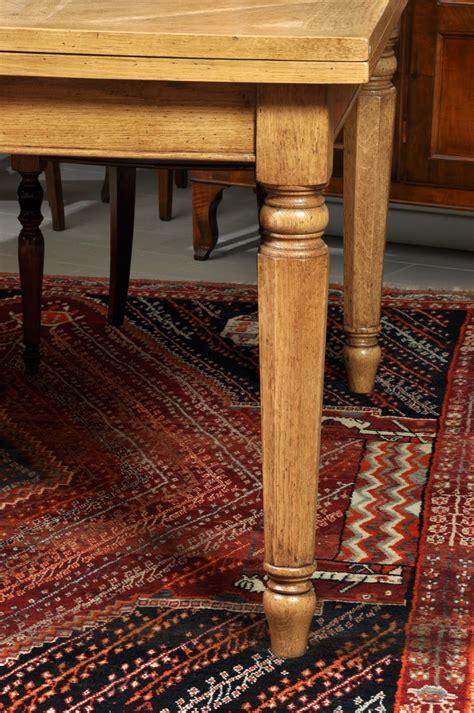 tavolo quadrato grande grande tavolo quadrato allungabile con gambe tornite