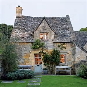 caroline holdaway cotswold cottage real homes interior