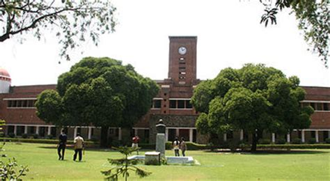Mba From Srcc by Top 5 Colleges Of Delhi To Study Commerce