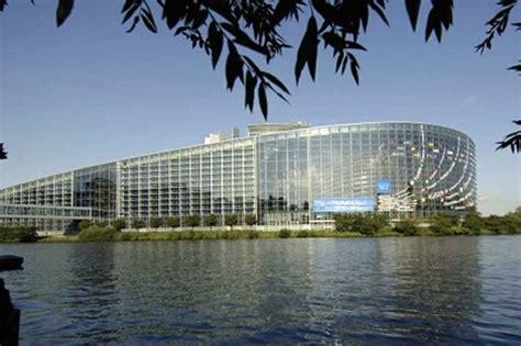 sede parlamento europeo mantener las dos sedes parlamento europeo cuesta 180