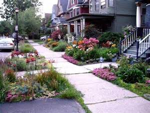 Flower Garden Ideas For Small Yards Flower Garden Ideas For Small Front Yard In Front Of House Cdhoye