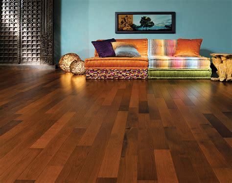 pavimento marrone colore pareti abbinare arredo e pareti con pavimento marrone scuro