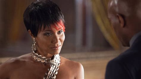 gotham adds jada pinkett smith to its list of rogues gotham fish mooney will not return in season 4 youtube