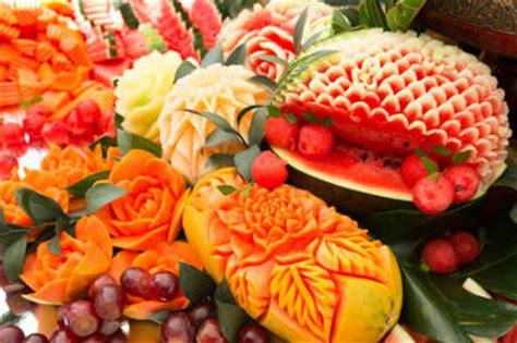 Délicieux Decoration De Plat Avec Des Legumes #1: sculpture-fruit-legumes-fleurs-buffet-pasteque.jpg