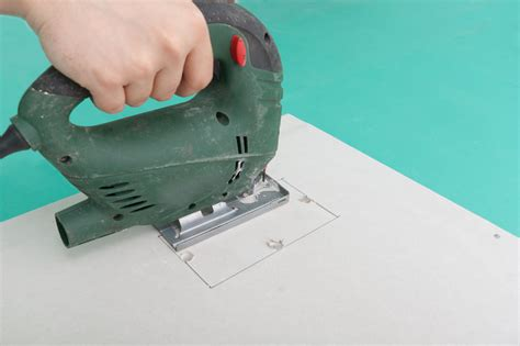 Ceiling Board Cutter - how to cut a square in drywall howtospecialist