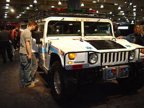 hummer jeep white rescue hummer white trucks jeeps and suvs car