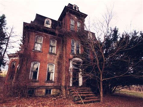 real haunted houses near me best 25 real hauntings ideas on pinterest real haunted houses haunted houses and